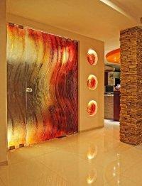 szklane kolorowe drzwi